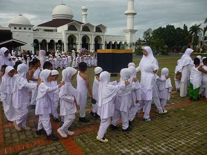 Santri PAUD IT Al Hasanah Semangat Ikuti Manasik Haji