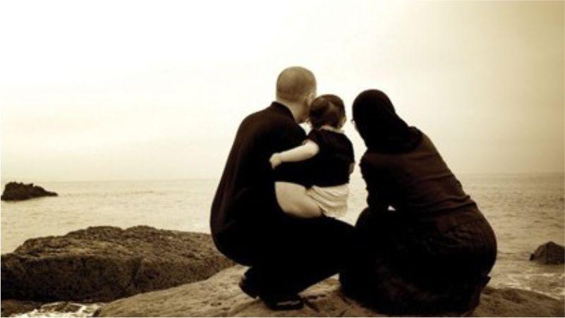 Ibu atau Ayah, Lebih Sayang Mana?